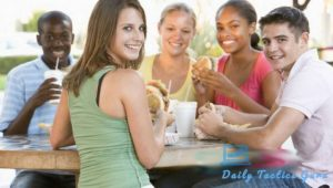 4 REASONS TO AVOID FAST FOOD